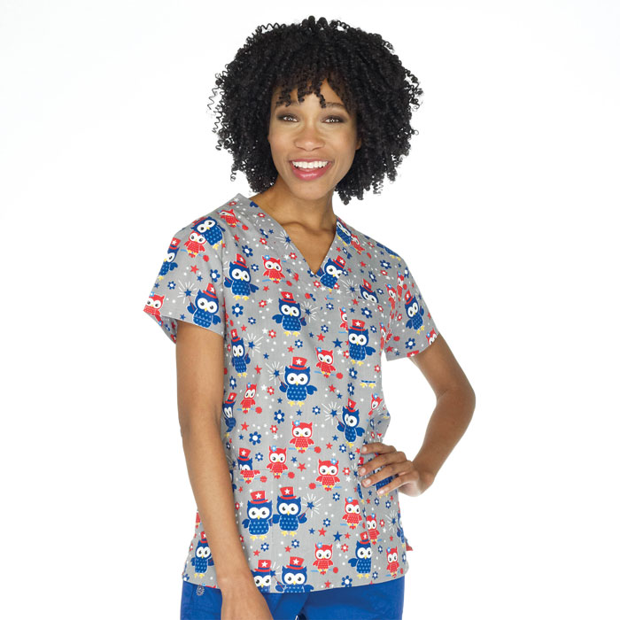 9904-1472-Ladies-3-Pocket-V-Neck-Top-Hoot-and-Annie